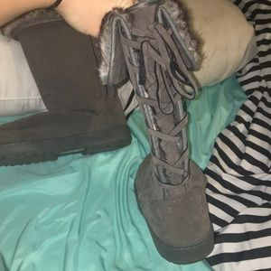 Shoes - Grey tall boots